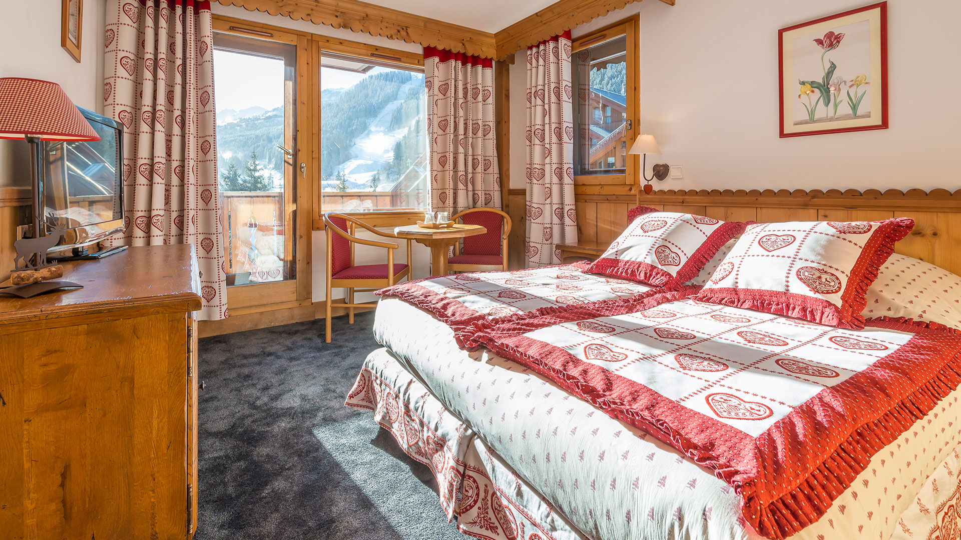 Chambre avec vue sur la montagne hôtel 3 étoiles Savoie