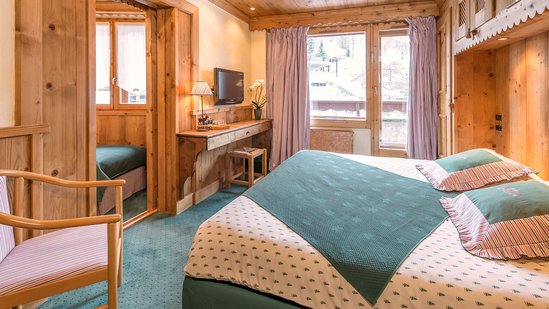 Chambre avec vue sur la neige hôtel spa Savoie