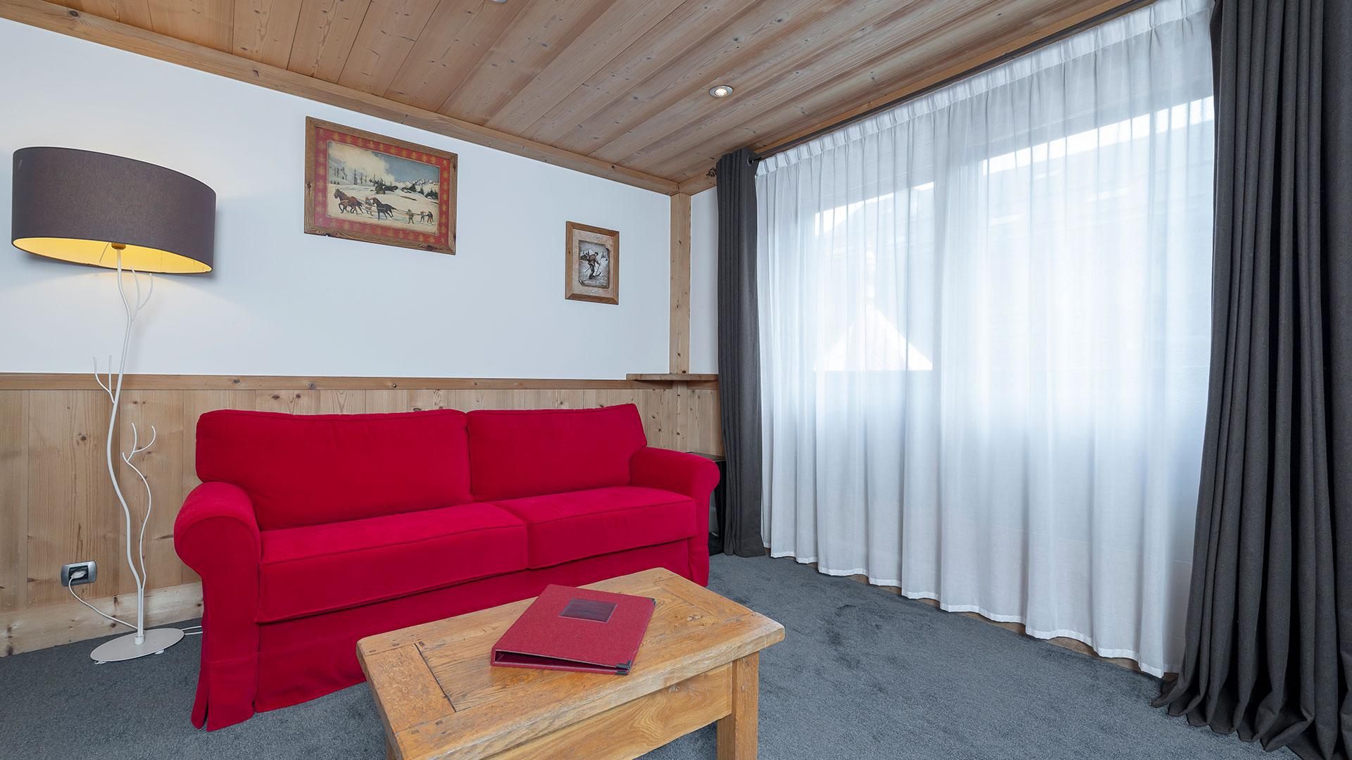 Salon lumineux hotel de charme auvergne rhone alpes