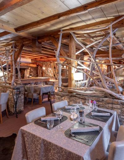 Restaurant décoration en bois